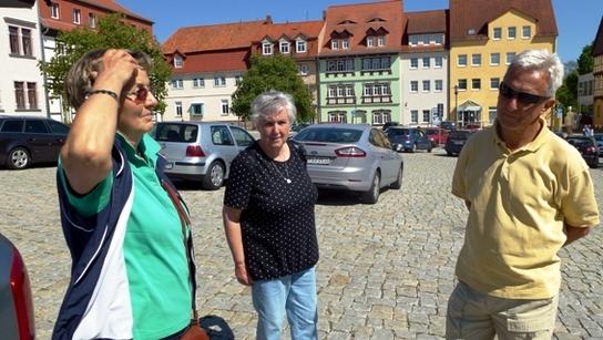 Helga am Parkplatz